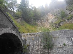 Barriera paramassi elastica realizzata da Piccole Dolomiti sulla strada per Tonezza