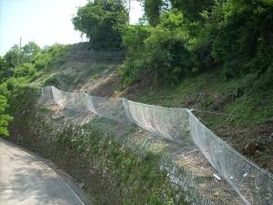 barriere paramassi opere speciali Barriera paramassi a difesa della strada Piovene Rocchette