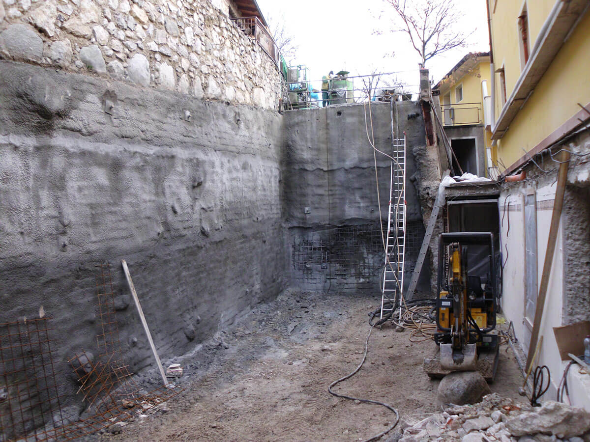 spritz-beton consolidamenti Consolidamento provvisorio di pareti di scavo Tignale